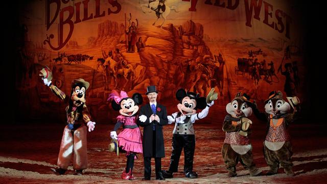 Buffalo Bill's Wild West Show…com Mickey e os seus amigos