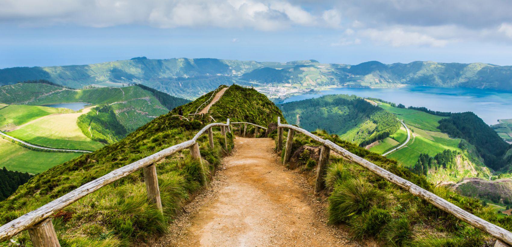 Açores: São Miguel   Fly & Drive